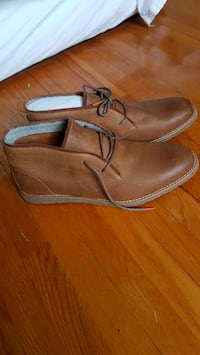 New Hush Puppies leather shoes Montréal, H4A 1Y1