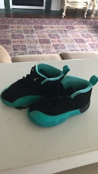 pair of black-and-teal Jordan for kids size 9 Vaughan, L6A