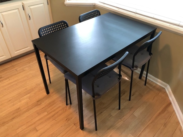 Ikea kitchen table with 4 chairs