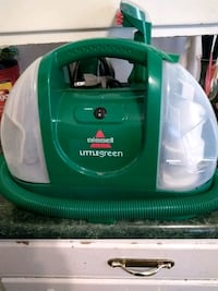 green and white Bissell vacuum cleaner Greenville, 45331