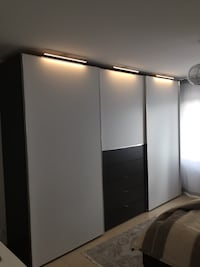 gebrauchte drei crhom metal led beleuschtung f hr. Black Bedroom Furniture Sets. Home Design Ideas