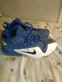 pair of blue-and-white Nike basketball shoes Bunker Hill, 25413