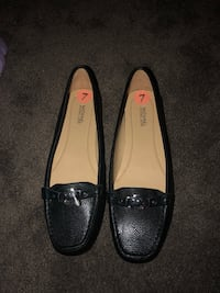 pair of black leather loafers Bloomington, 92316