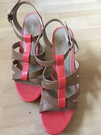 Cute and comfy wedges Coquitlam, V3J 2P1