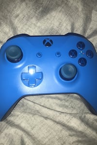 Xbox one wireless controller, Blue Fort Saskatchewan, T8L 1A3