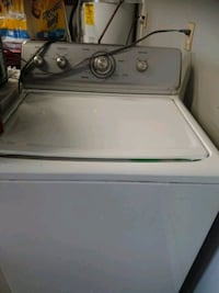 white top-load clothes washer Lake Stevens, 98258