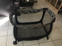 baby's black and gray travel cot Tampa, 33615