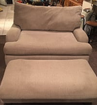 Love Seat Size couch w/ ottoman  Chicago, 60612