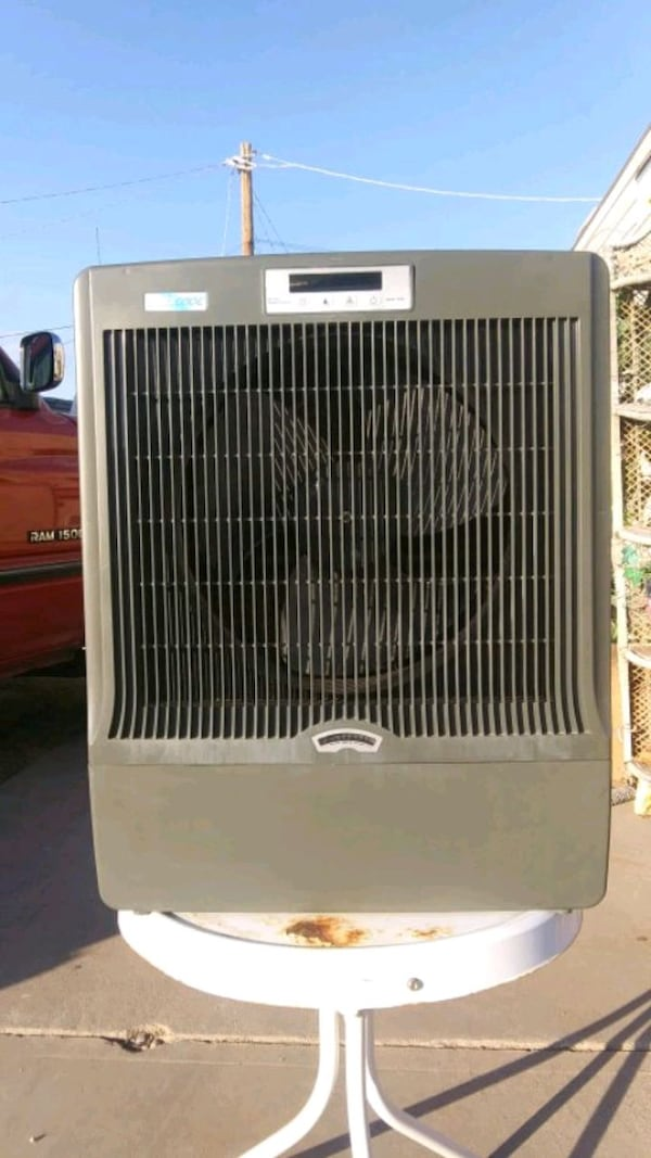Small Evap Cooler Unit. 60c8a17c-b955-4c6e-9558-a53f98ba1688