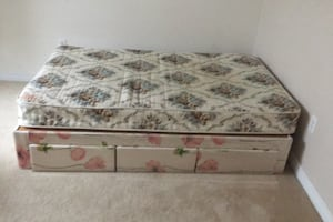 Queen size bed with mattress