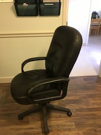 Office or gaming chair Nanaimo, V9T 5T8