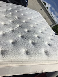 Queen Matress and Boxspring Cape Coral, 33904