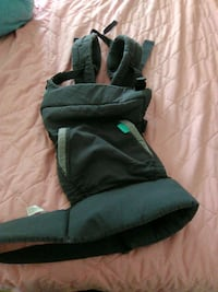 pair of black-and-green boots Raleigh, 27603