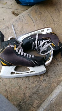bauer hockey skates size 8 Comes with superfeet Mississauga, L5B
