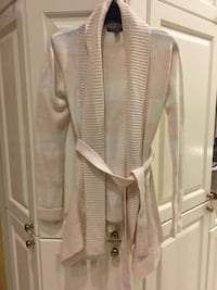 Pink and white striped sweater small Pointe-Claire, H9R 3J3