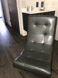 Grey leather accent chair 3693 km
