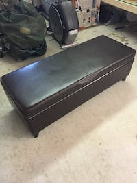 Coffee table & trunk/storage null