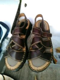 pair of brown leather sandals Modesto, 95350