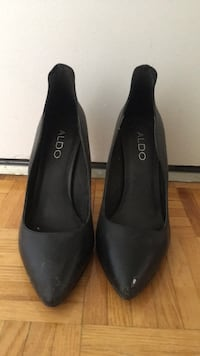 pair of black leather pointed-toe heeled shoes Toronto, M4V