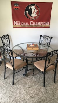 Full Metal Table Set With 4 Chairs  Tallahassee, 32304