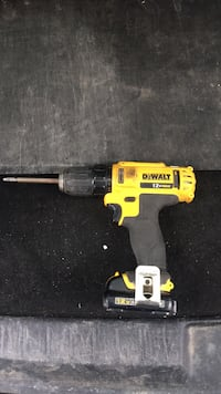 Dewalt 12v drill with 2 batteries and charger 554 km
