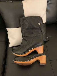 black and brown leather cowboy boots New Carrollton, 20784