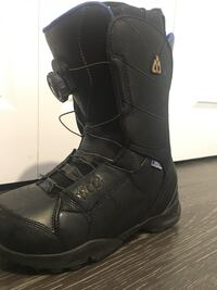 Great condition snowboard boots. Size 8 Vancouver, V6J