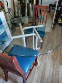 Have a really nice glass top kitchen table and 2   Daytona Beach, 32114
