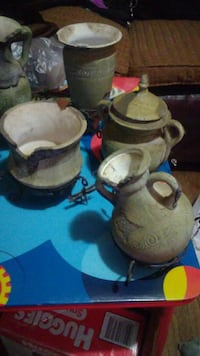 four gray ceramic vases El Paso, 79915
