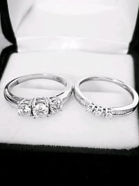 3 Stone Diamond Ring & Matching Band