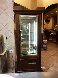Restaurant refridgerated Pie/Cake/pastry lighted cabinet. SPINS
