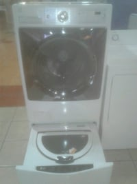Kenmore washer with Pedestal washer