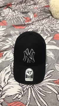 black and white New York Yankees fitted cap Halifax, B3R 2E9