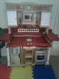 brown and white kitchen playset Calgary, T2A 1C7