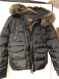 Superdry Mt Everest down hooded jacket sz M Burnaby, V5G 3X4