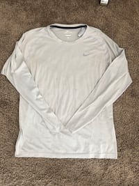 Nike dri fit long sleeve size large  Los Angeles, 90248
