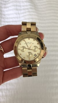 Marc Jacobs Gold Woman's Watch Vancouver, V5R 5E3