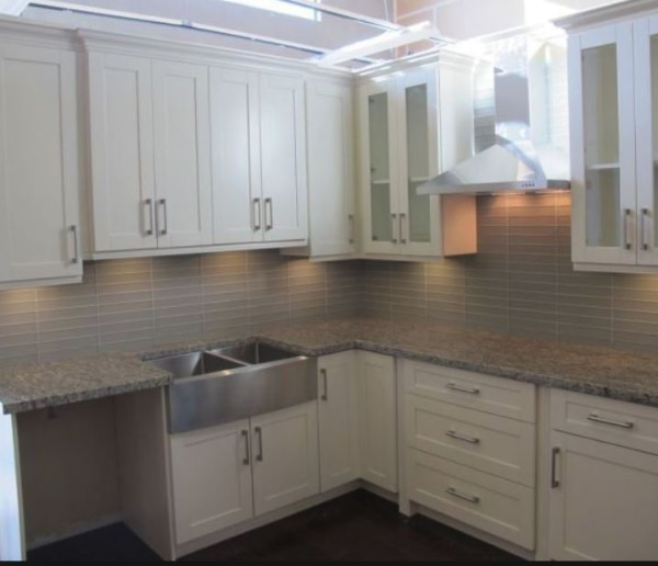 ---free sink---free estimate--free design-- kitchen cabinets