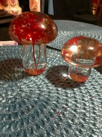 two red and clear glass candle holders Berwyn, 60402