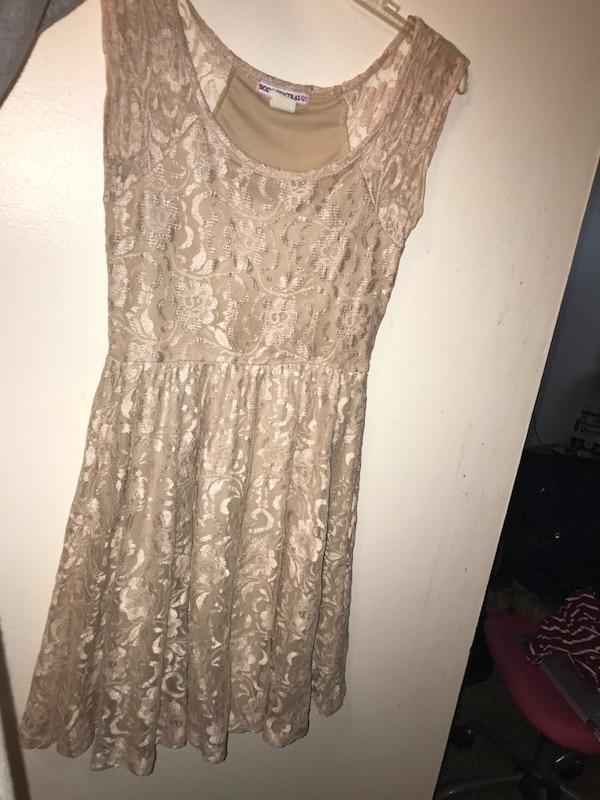 Body central cream flower dress