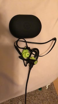 Wireless Powerbeats  Bristow, 20136