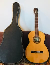 brown classical guitar with gig bag Burlington, L7T 3Z6