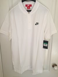 Brand new with tags Nike golf polo collar