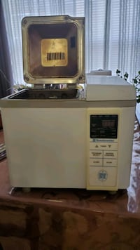 Toasmaster Bread maker, used but in good condition.  no longer needed Asheville, 28806