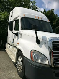 2011 Cascadia Freightliner semi-truck only just ov Lansing