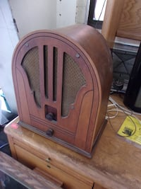 Antique radio 13557 Redding
