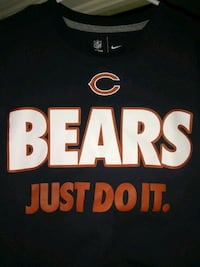Chicago bears Nike shirt size adult small