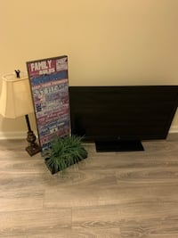"""Home Decor, 40"""" Westinghouse HD TV and Area Rug Capitol Heights, 20743"""