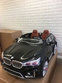 Bmw XSeries Style 2 seats ride on car with RC for kids and toddlers black or white 2x12v Vaughan, L4L 8A1