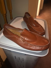 Brown dress shoe 10/10 Bradford, L3Z 2Y3